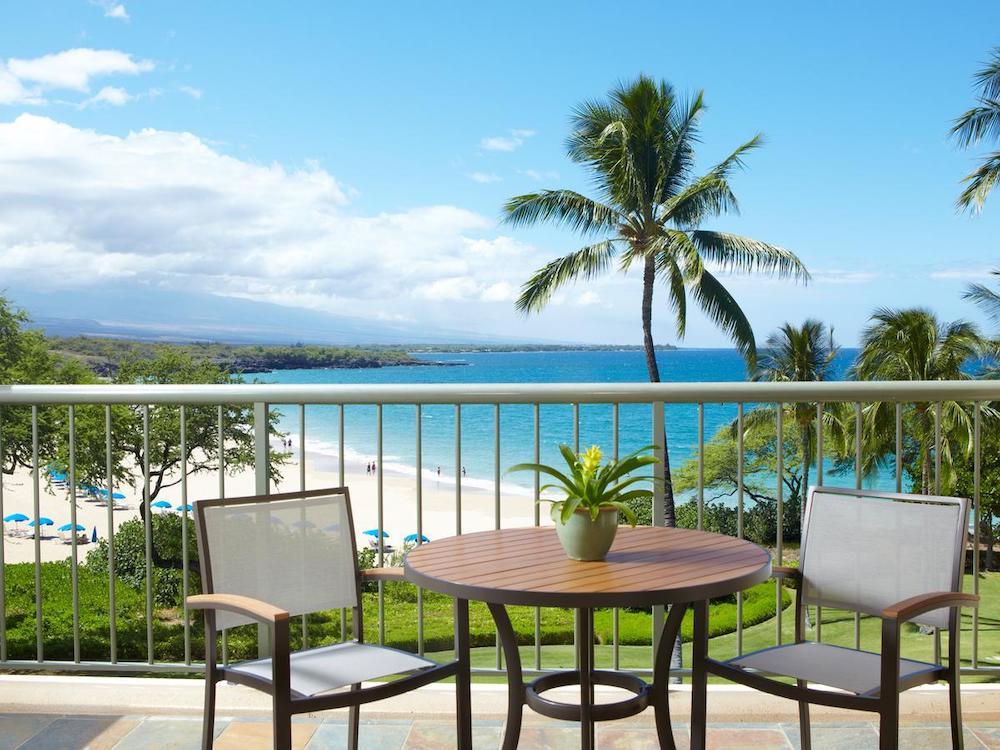 ハワイ島のホテル(ハネムーンイメージ)